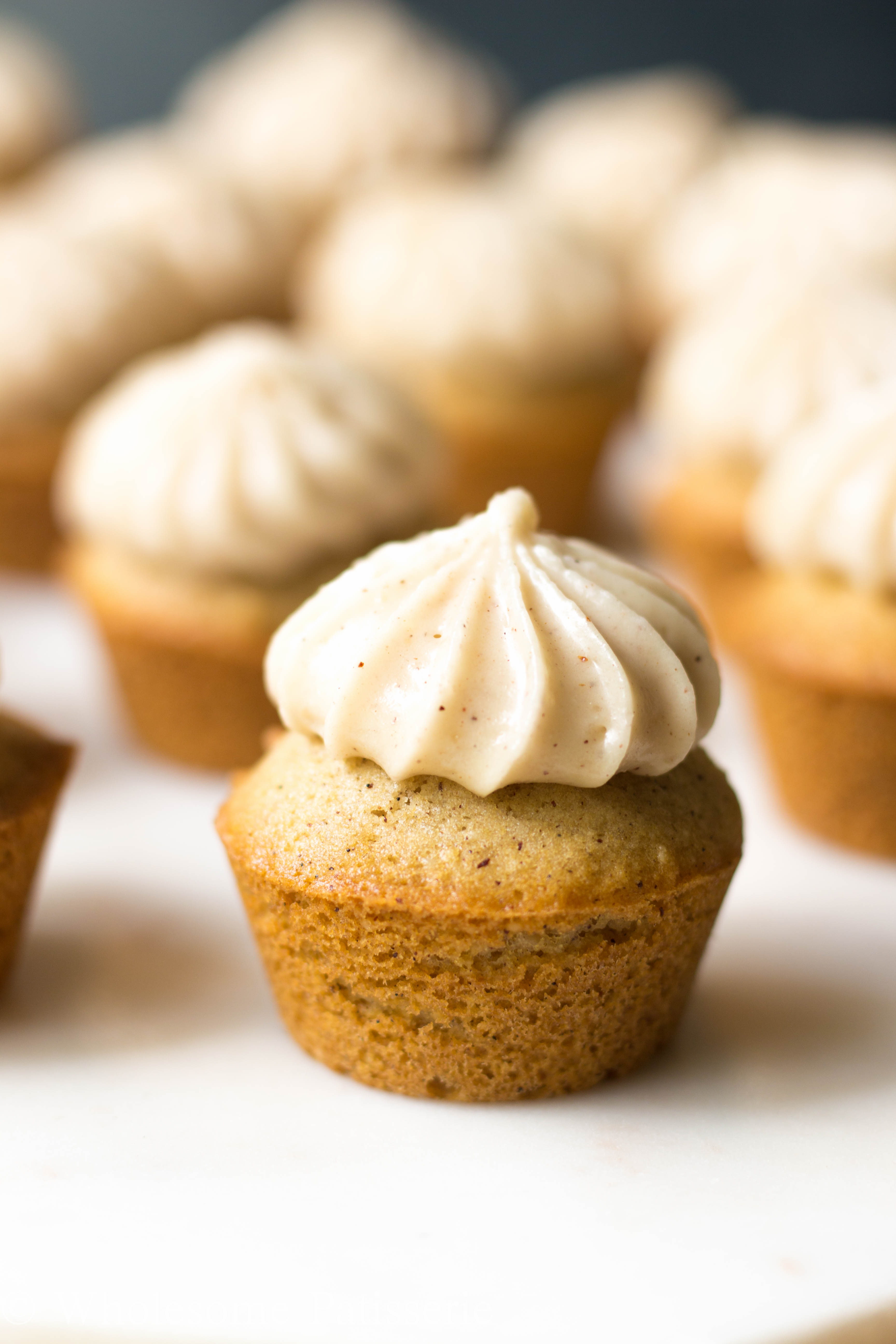 GLUTEN-FREE-cupcake-recipe-honey-cupcakes-vegetarian-DELICIOUS-easy-yummy-cupcakes-cinnamon-mini-cupcakes-wholesome-patisserie-cake