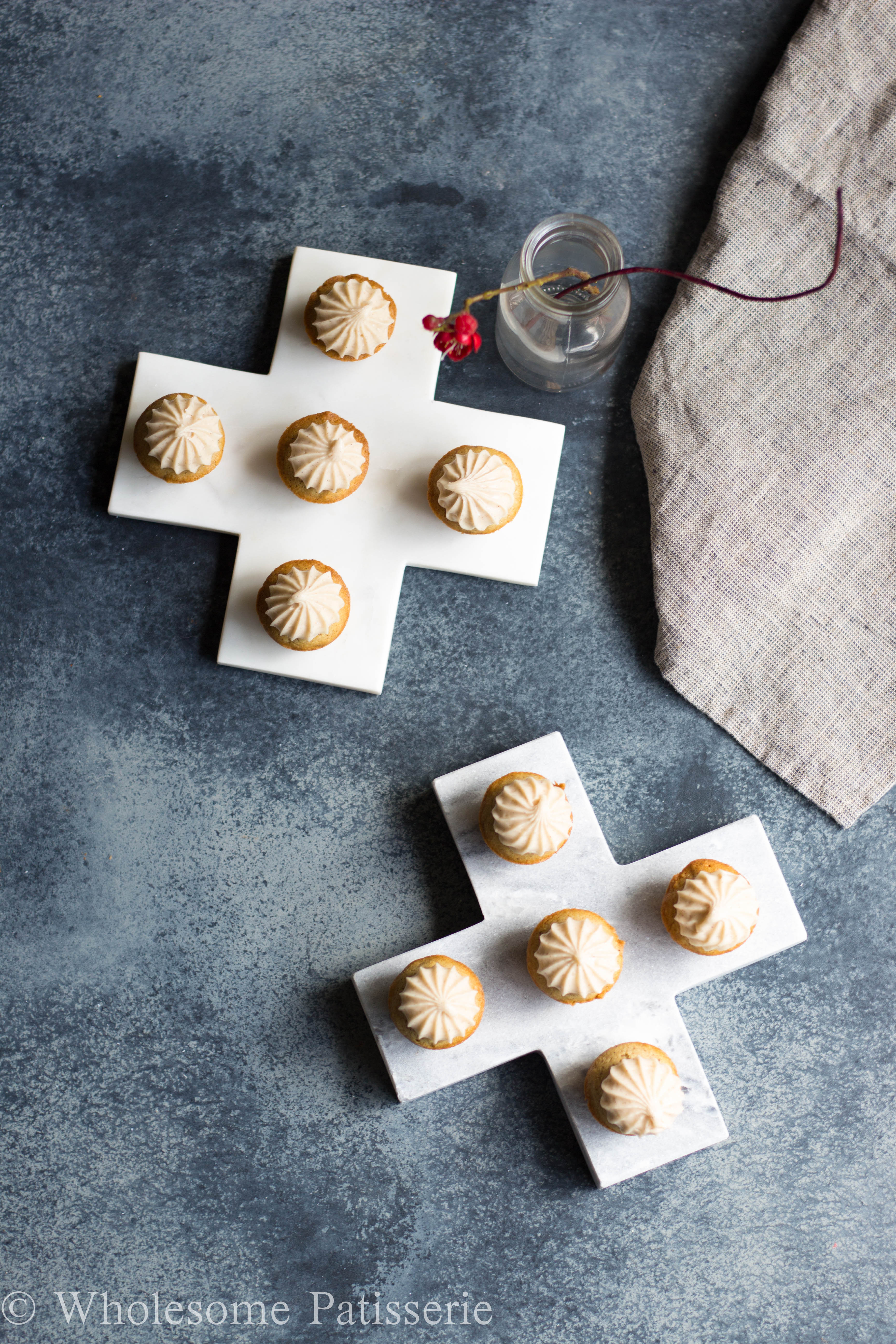 GLUTEN-FREE-cupcake-recipe-honey-cupcakes-vegetarian-DELICIOUS-easy-yummy-cupcakes-cinnamon-mini-cupcakes-wholesome-patisserie-healthy