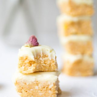 EASY-nobake-vegan-lemon-slice-delicous-glutenfree-raw