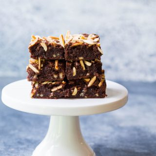 gluten-free-almond-brownies-chocolate-brownies-delicious-easy