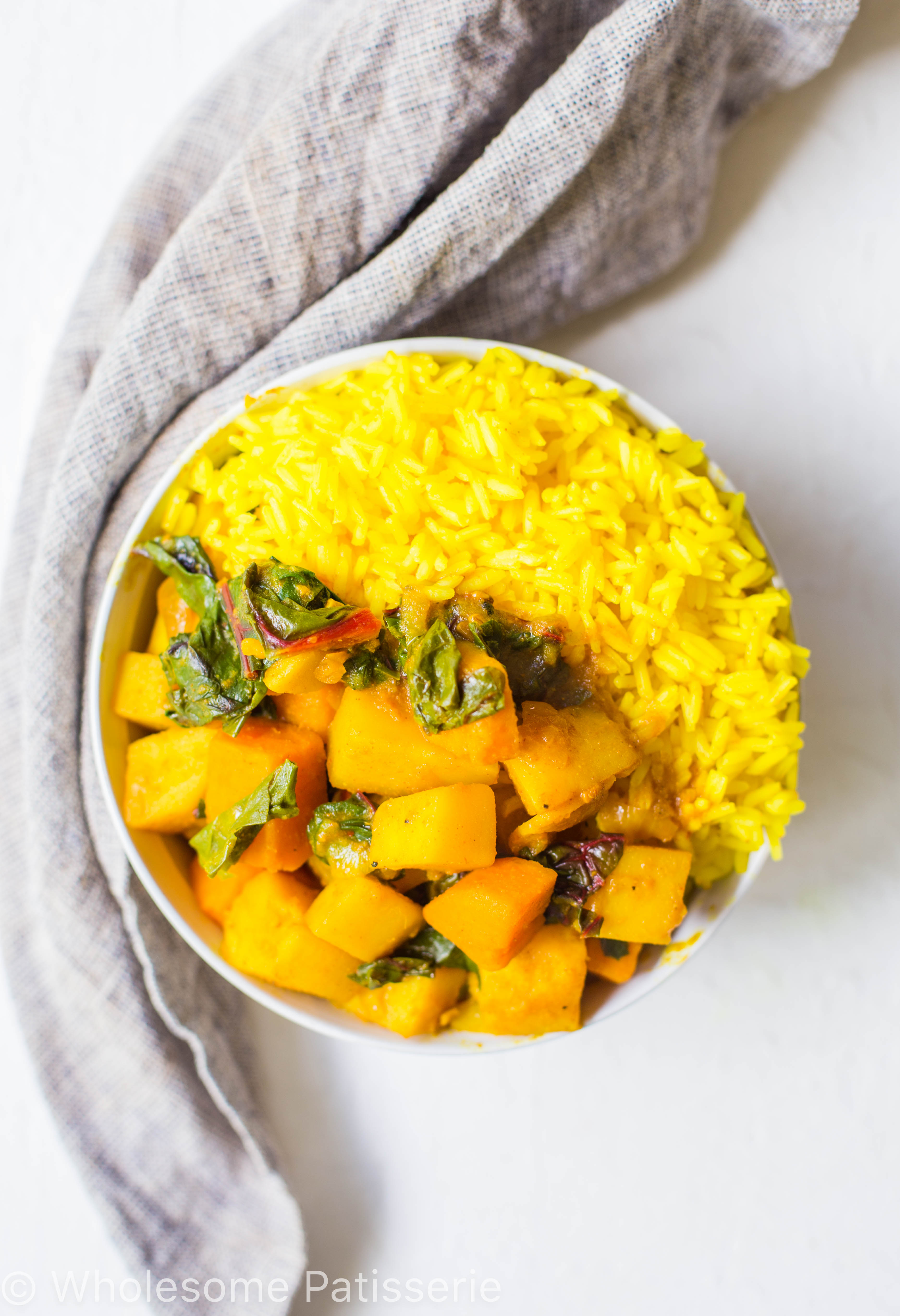 vegan-spicy-potato-spinach-curry-dinner-amazing-delicious-curry-indian