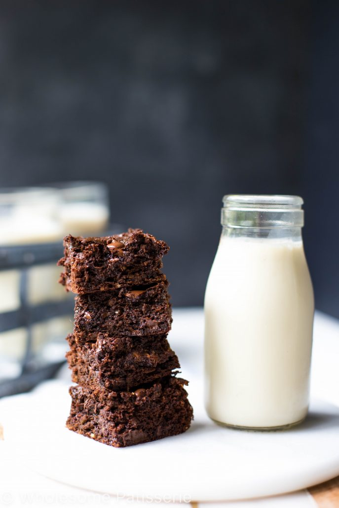 one-bowl-flourless-chocolate-brownies-gluten-free-delicious-chocolate-vegetarian