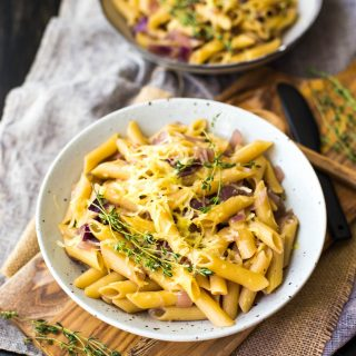 one-pot-french-onion-pasta-bake-gluten-free-vegetarian-dinner-easy-meals-on-a-budget