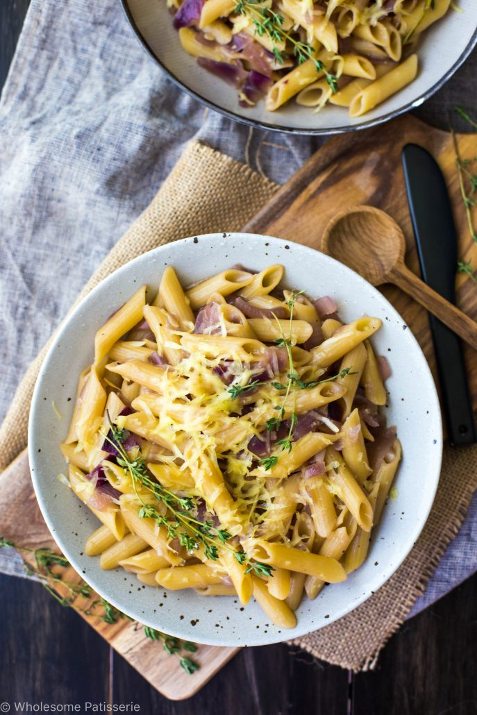 one-pot-french-onion-pasta-bake-gluten-free-vegetarian-dinner-easy-meals-on-a-budget -swiss-cheese