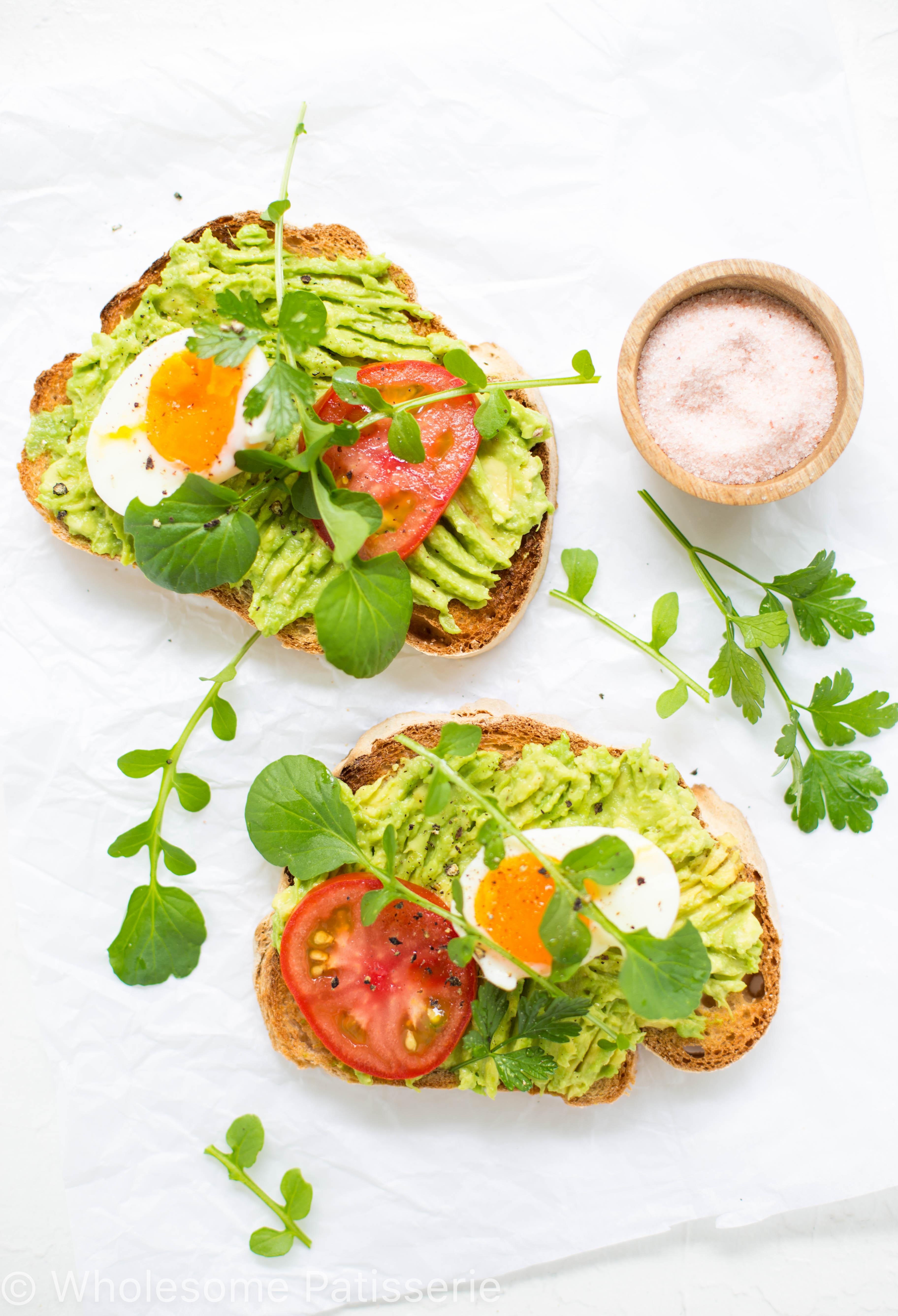 smashed-avocado-toast-healthy-breakfast-gluten-free-boiled-eggs-tomato-veget
