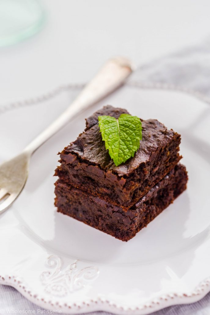 decadent-chocolate-mint-brownies-one-bowl-gluten-free-vegan-dairy-free-easy-kids-delicious-fudge