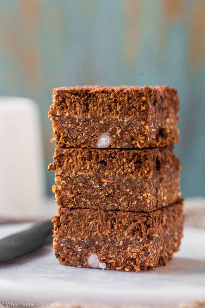 no-bake-vegan-chocolate-slice-gluten-free-dairy-free-baking-easy-snack-dessert-healthy