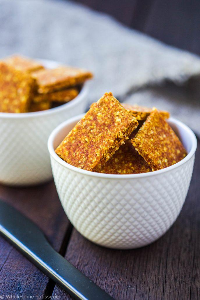 gluten-free-crackers-turmeric-crackers-savoury-nutritonal-yeast-baked-crackers-flax-crackers