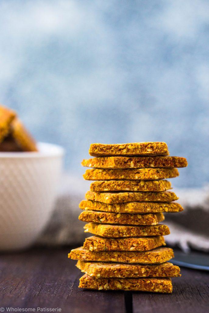 gluten-free-crackers-turmeric-crackers-savoury-nutritonal-yeast-baked-crackers-flax-crackers-homemade