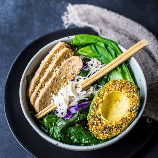 sesame-ginger-noodle-bowl-asian-delicious-healthy-vegan-gluten-free-paleo