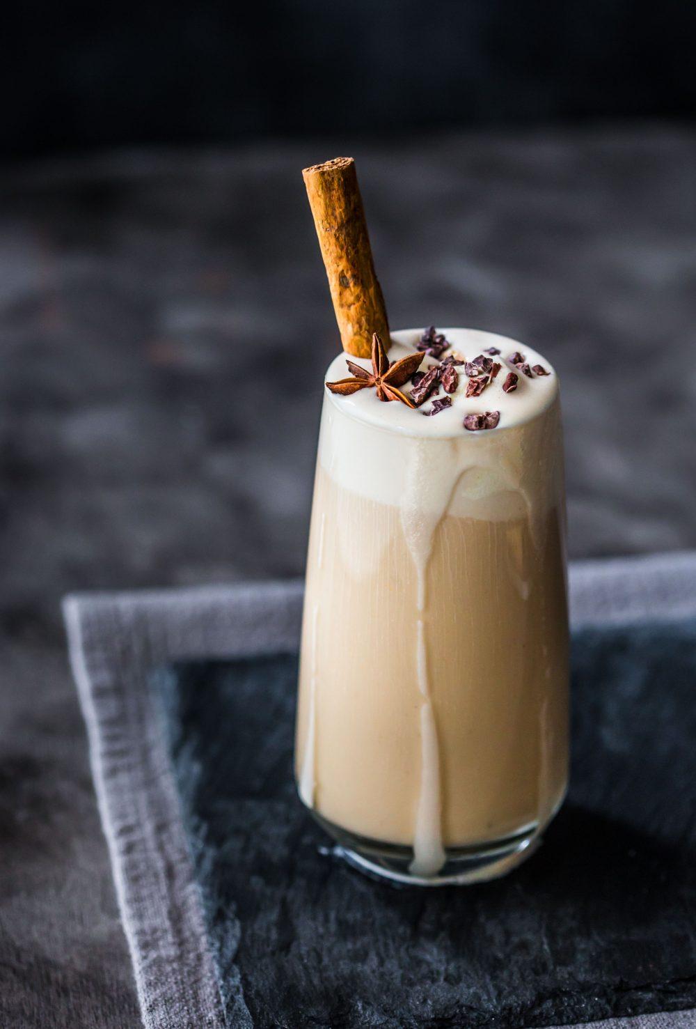 chai-latte-milkshake-dairy-free-vegan-refreshing-summer-easy-kids-family-shakes-chai-delicious