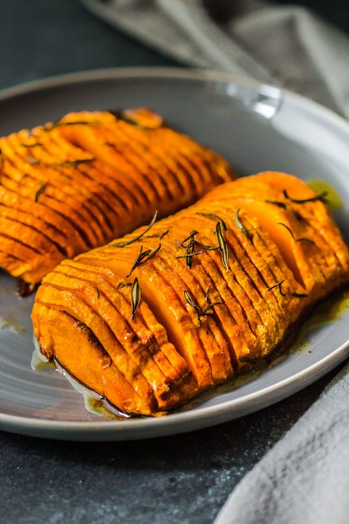 hasselback-butternut-pumpkin-vegan-dinner-side-easy-simple-flavour-maple