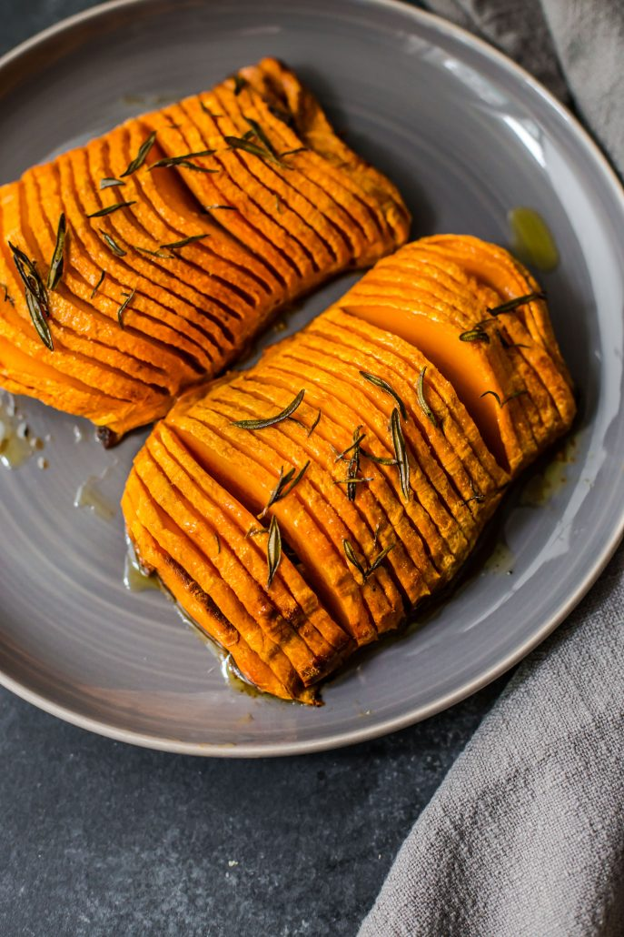 hasselback-butternut-pumpkin-vegan-dinner-side-easy-simple-flavour-rosemary-garlic