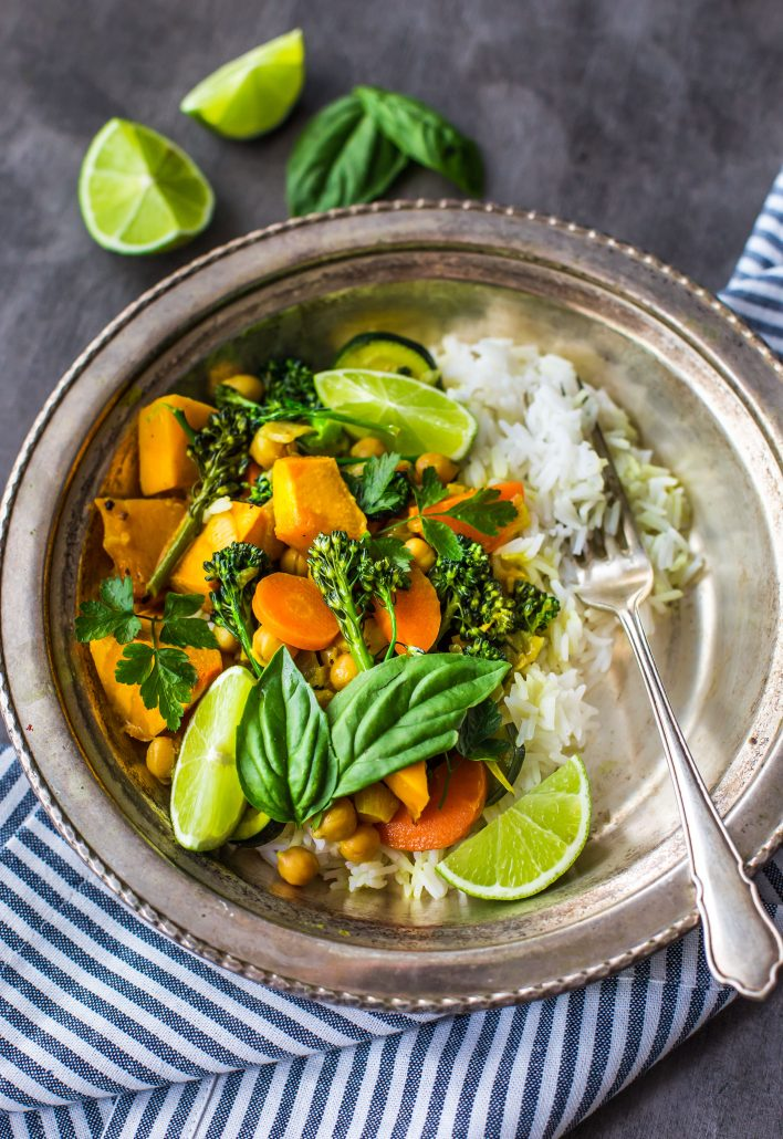 pumpkin-coconut-curry-delicious-vegan-vegetable-curry-dinner-healthy-gluten-free
