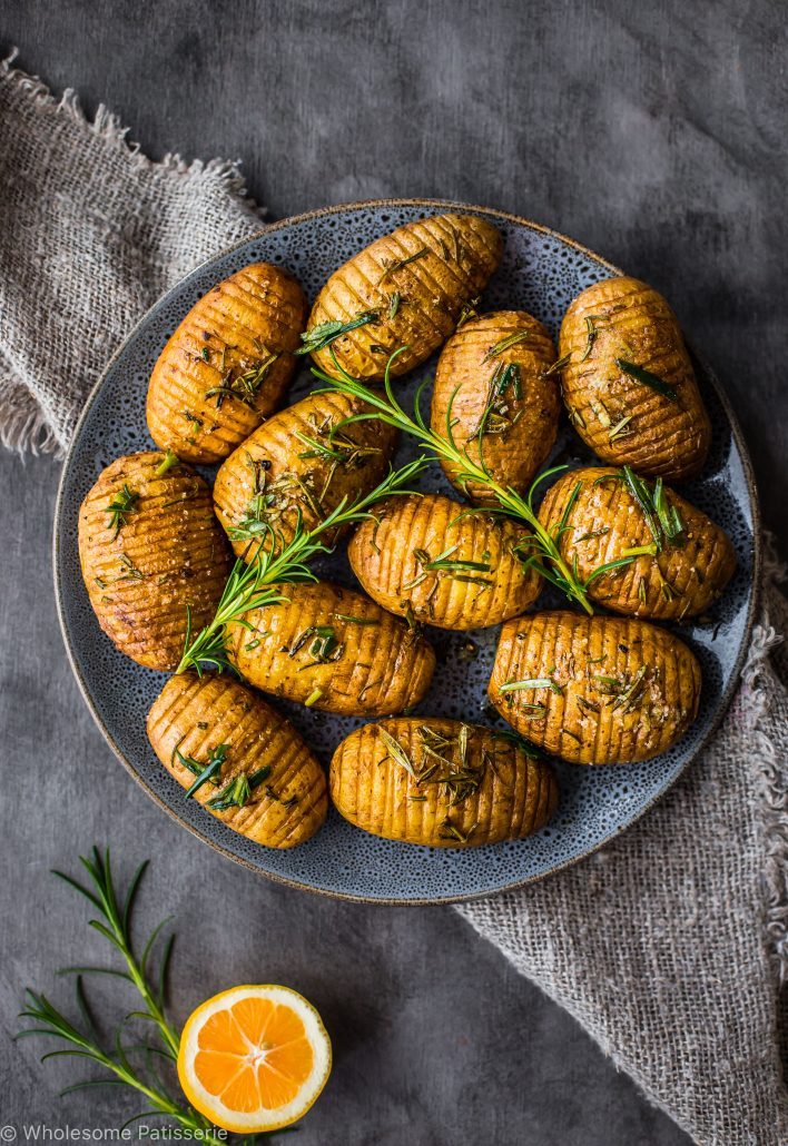 rosemary-garlic-mini-hasselback-potatoes-vegan-christmas-dinner-side-dish-family
