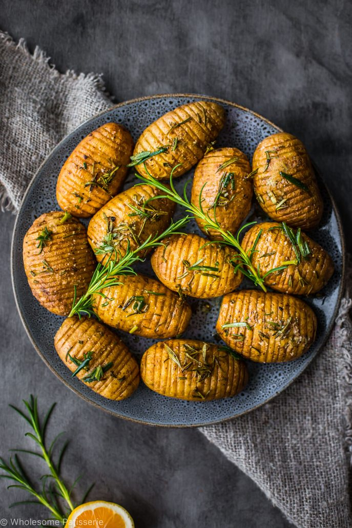 rosemary-garlic-mini-hasselback-potatoes-vegan-christmas-dinner-side-dish-healthy