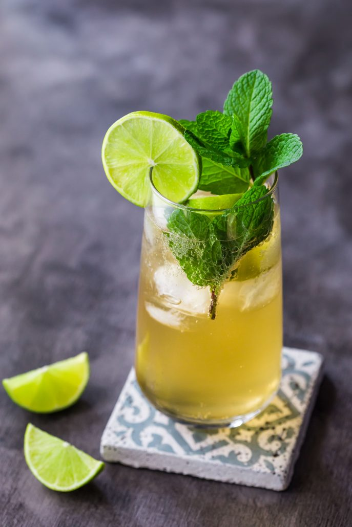 apple-kombucha-mojito-non-alcoholic-beverage-weekend-party-lime-mint-cocktail