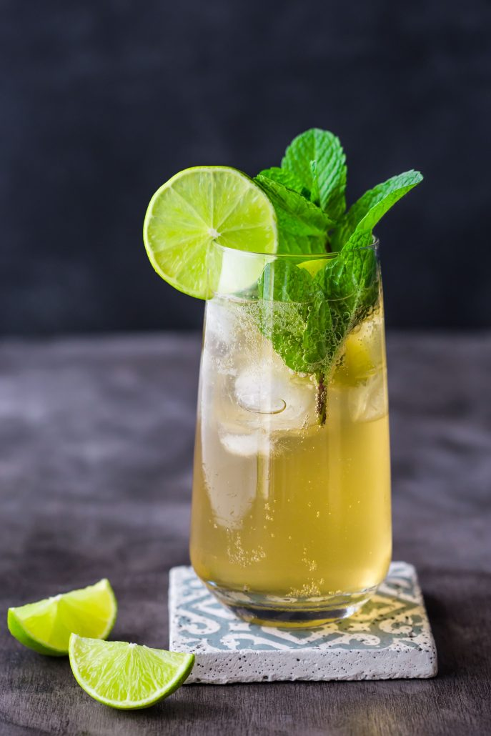 apple-kombucha-mojito-non-alcoholic-beverage-weekend-party-lime-mint-refreshing