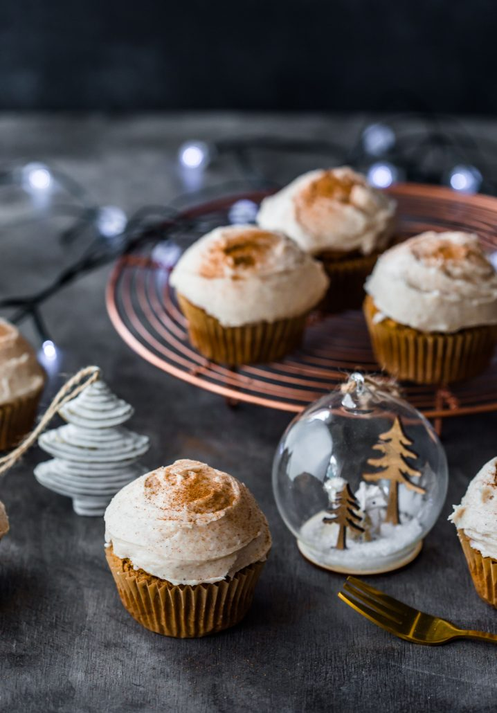 chai-cupcakes-gluten-free-christmas-cupcakes-frosting-holidays-baking