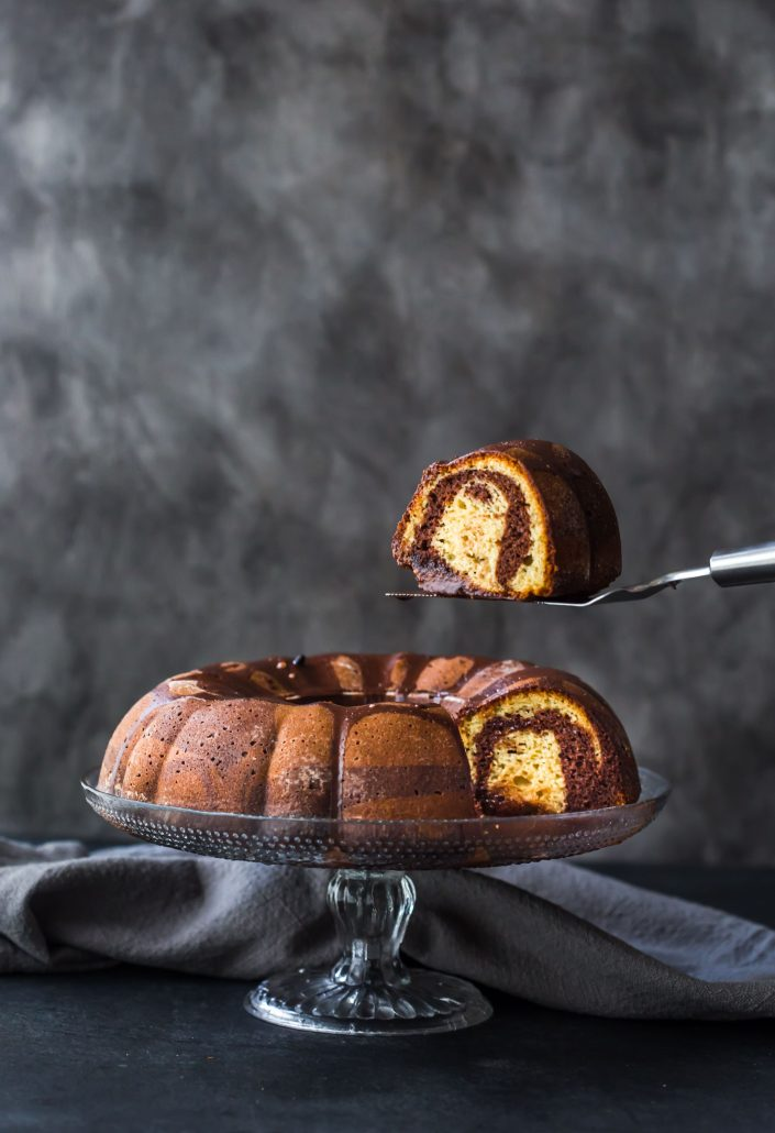 marble-bundt-cake-chocolate-vanilla-gluten-free-baking-easy-party-cake