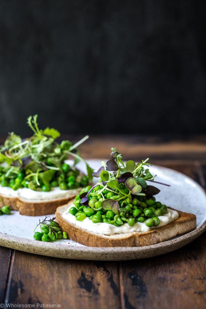 smashed-basil-peas-greek-yoghurt-breakfast-brunch-lunch-vegetarian-gluten-free-delicious-easy