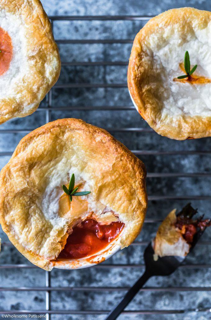 Tomato-onion-pies-ramekin-pies-gluten-free-vegan-vegetarian-dinner-easy-10-ingredients