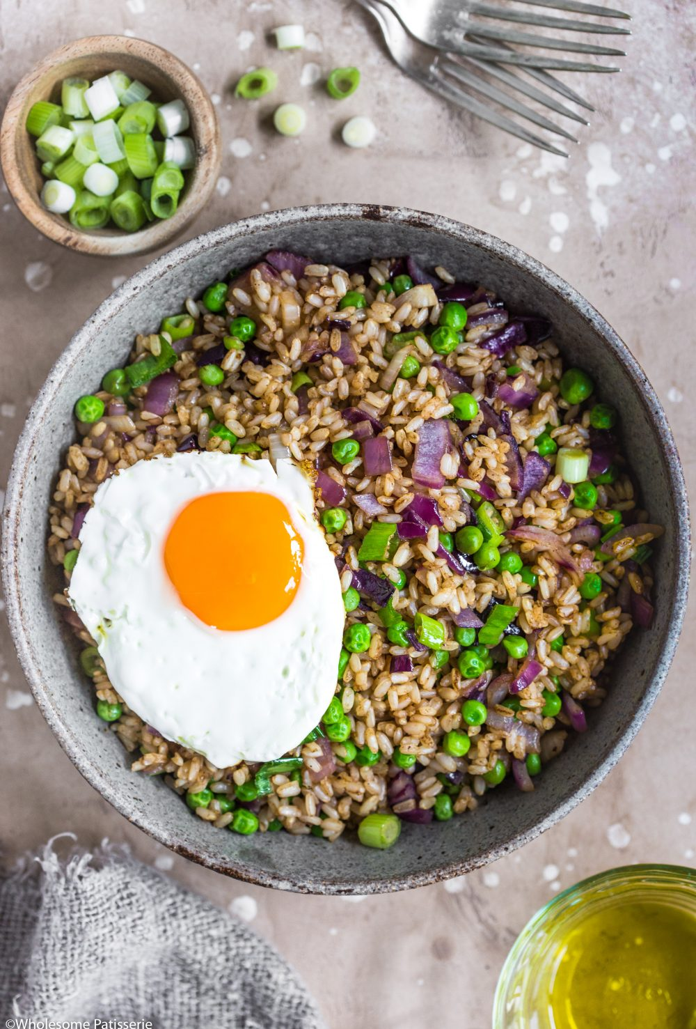 Brown Fried Rice! Simple flavoursome and healthy fried rice perfect for weekly night dinners! #friedrice #rice #dinner #glutenfree