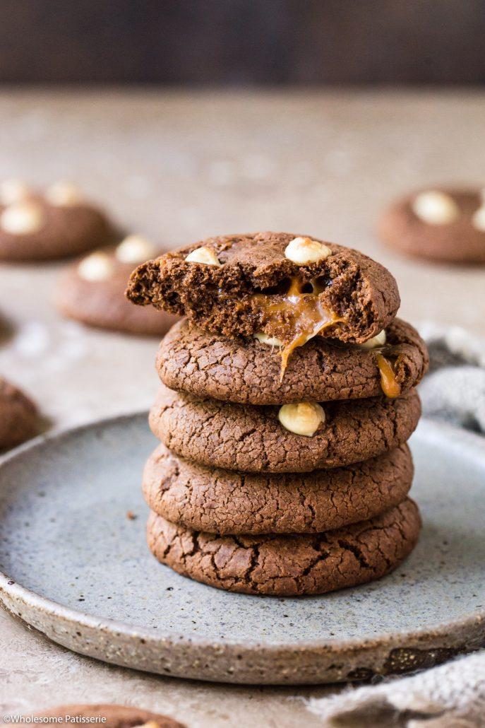 Double-chocolate-toffee-cookies-gluten-free-cookies-chocolate-cookies-caramel-cookies-toffee-stuffed-cookies-baking-easy-cookies