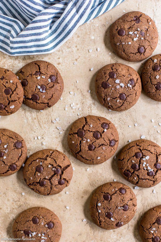 Salted-chocolate-cookies-gluten-free-baking-easy-snack-simple-fast-cookie