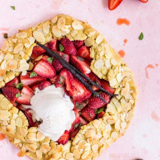 Strawberry-mint-almond-galette-pastry-gluten-free-baking-easy-delicious