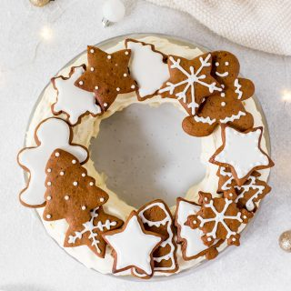 Chocolate-ripple-cake-with-brandy-cream-gingerbread-cookies-christmas-cake-holiday-cake-festive
