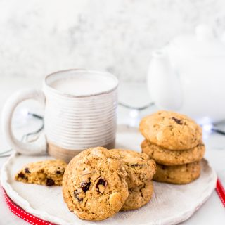 Cranberry-white-chocolate-cookies-festive-holiday-cookies-christmas-cookies-baking-season-easy-delicious--4