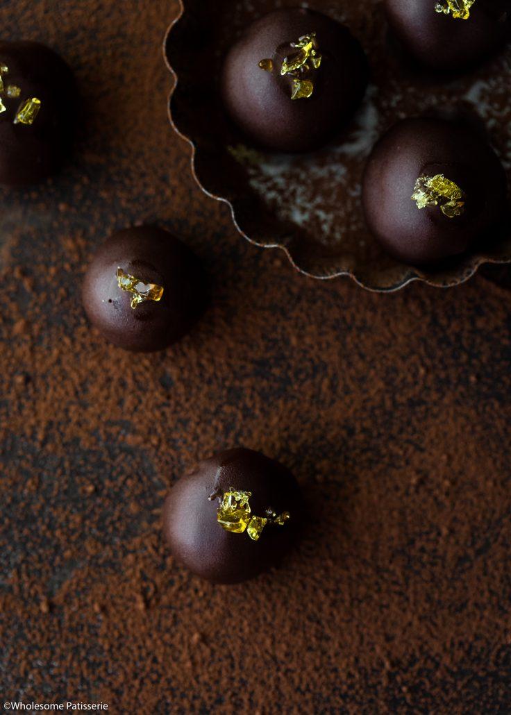 Dark-chocolate-rum-truffles-christmas-truffles-rum-balls-chocolate-ganache-festive