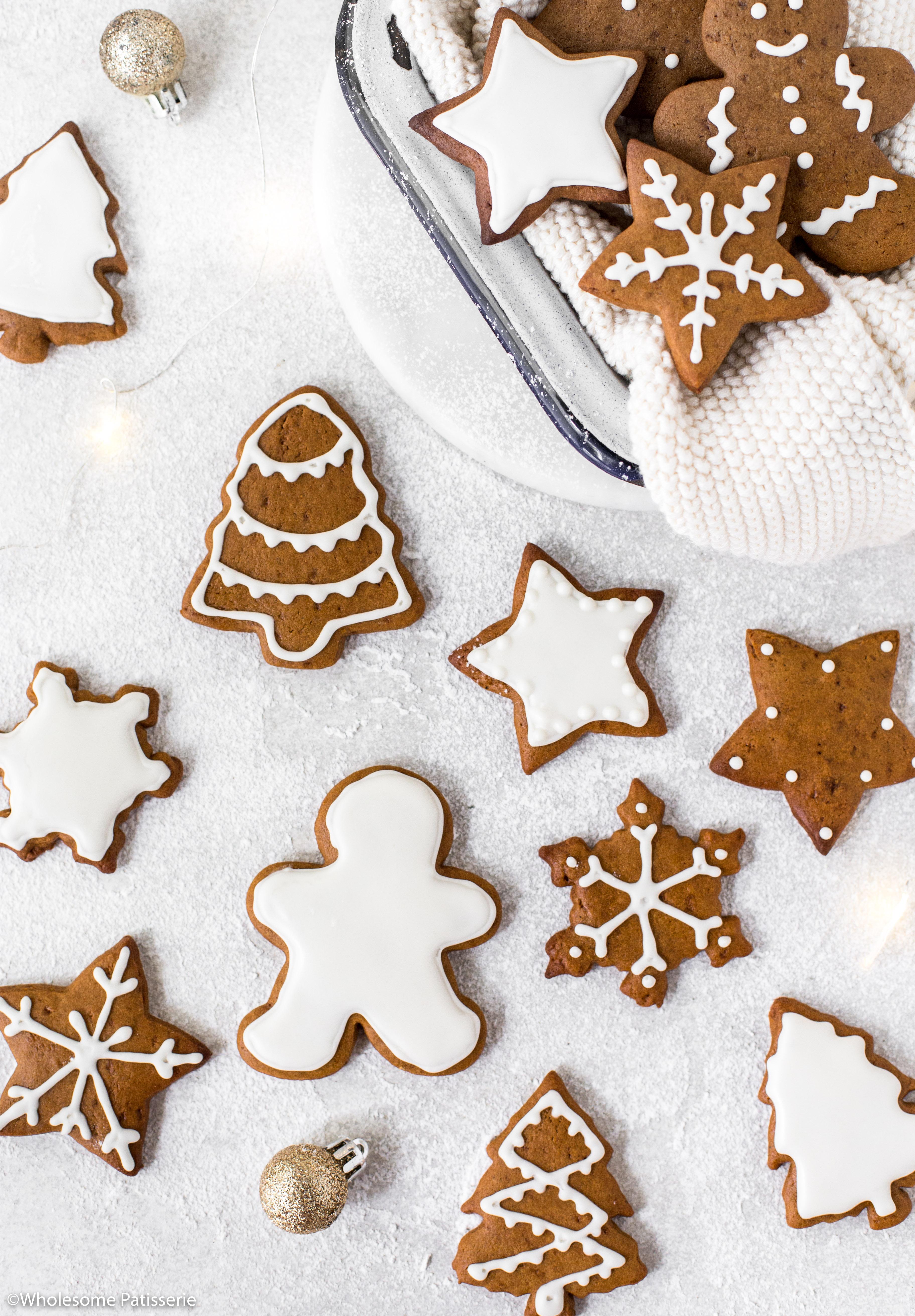 Royal Icing Christmas Cookies.Gingerbread Cookies