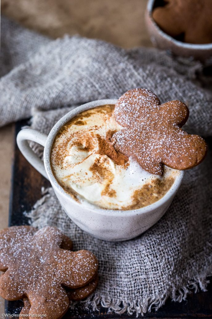 Gingerbread-latte-christmas-beverage-holiday-drinks-easy-festive-delicious-beverage