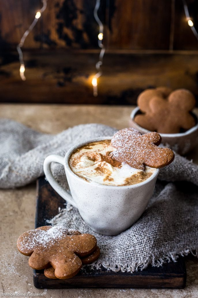 Gingerbread-latte-christmas-beverage-holiday-drinks-easy-festive-delicious-festive