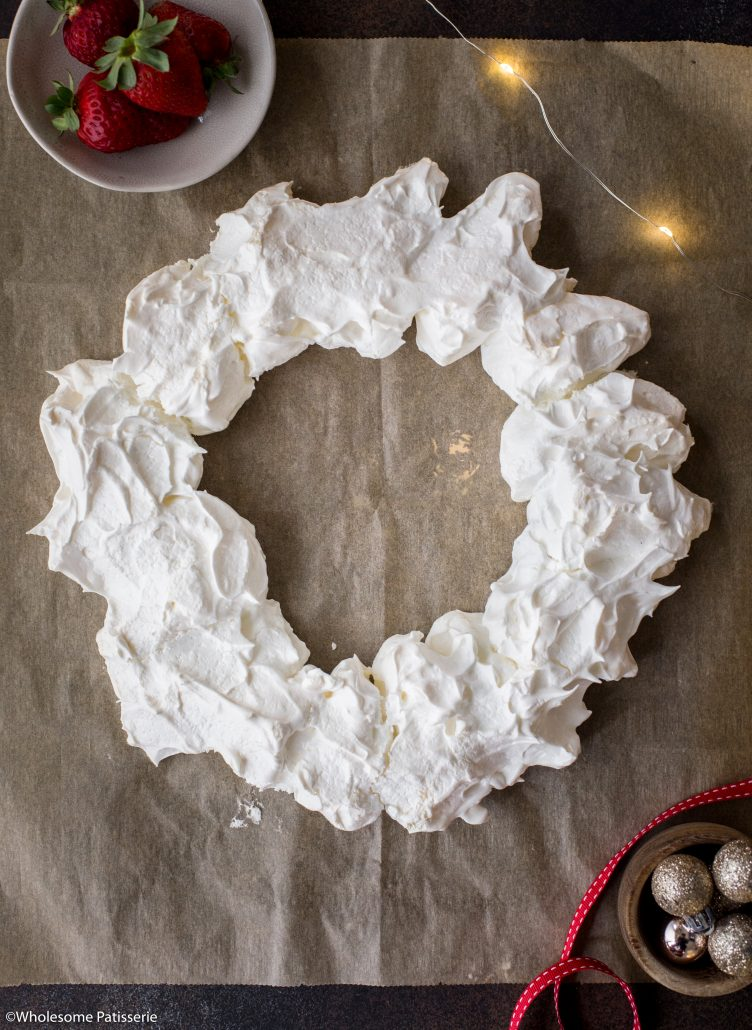 Christmas-pavlova-wreath-meringue-holiday-dessert-pavlova-festive-australia-sweet-guests