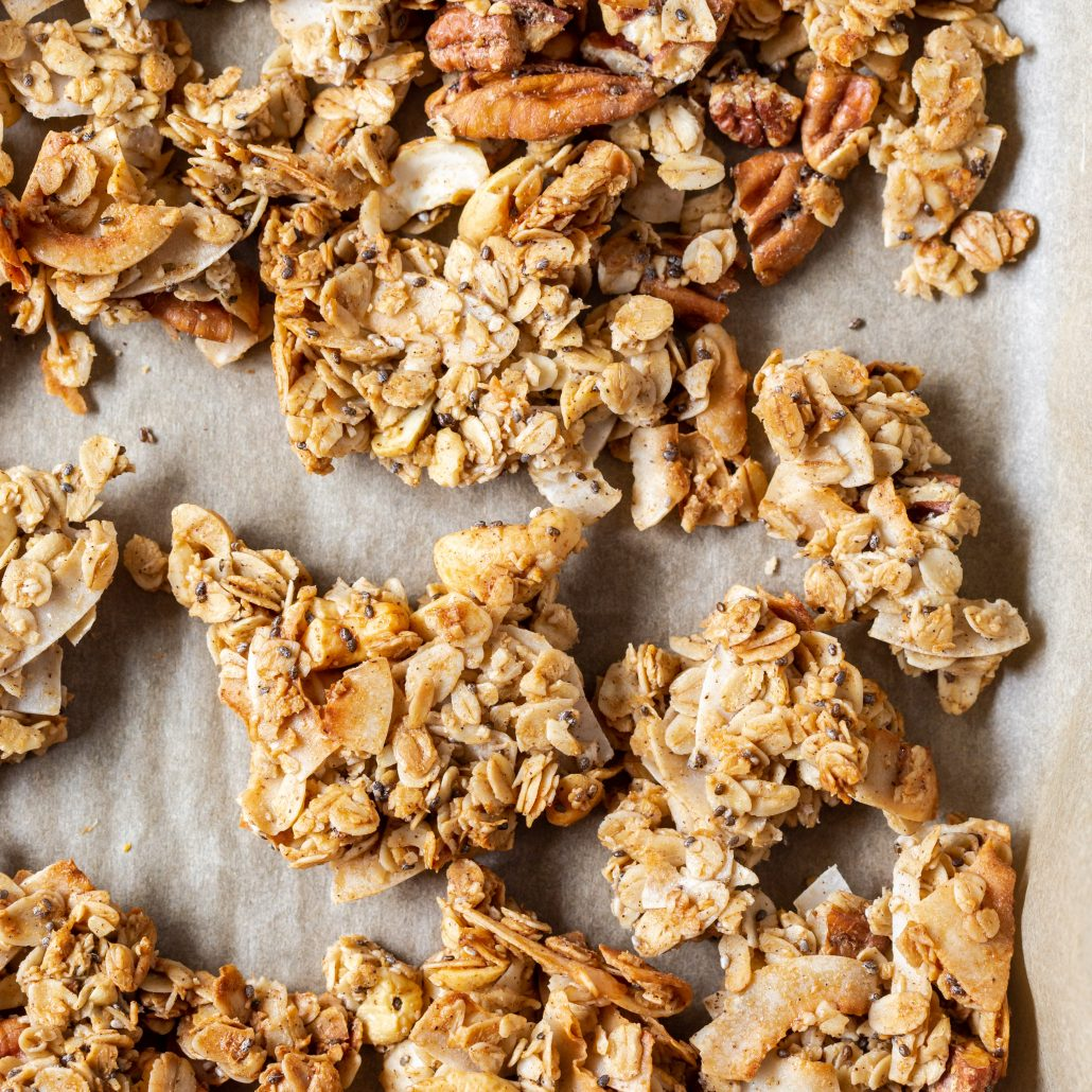 Chunky Granola with Pecans, Cashews and Cinnamon! 10-ingredient chunky style homemade classic granola. Each mouthful is like a warm hug!
