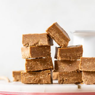 Gingerbread Fudge! Holiday inspired sweet treat that's made in one bowl using 7-ingredients! Infused with the classic gingerbread spices including molasses!