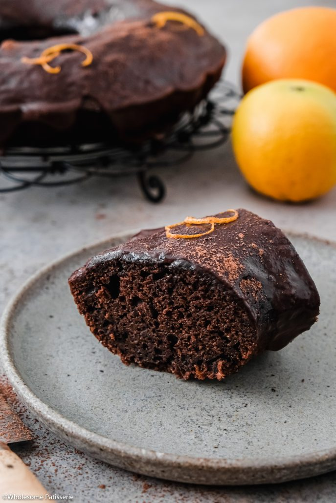 Chocolate Orange Bundt Cake! Taking two absolute classic flavours and pairing them together in a wholesome homemade bundt cake! This easy chocolate cake is infused with fresh orange zest and a hint of coffee to bring out even more of that beautiful cocoa flavour.