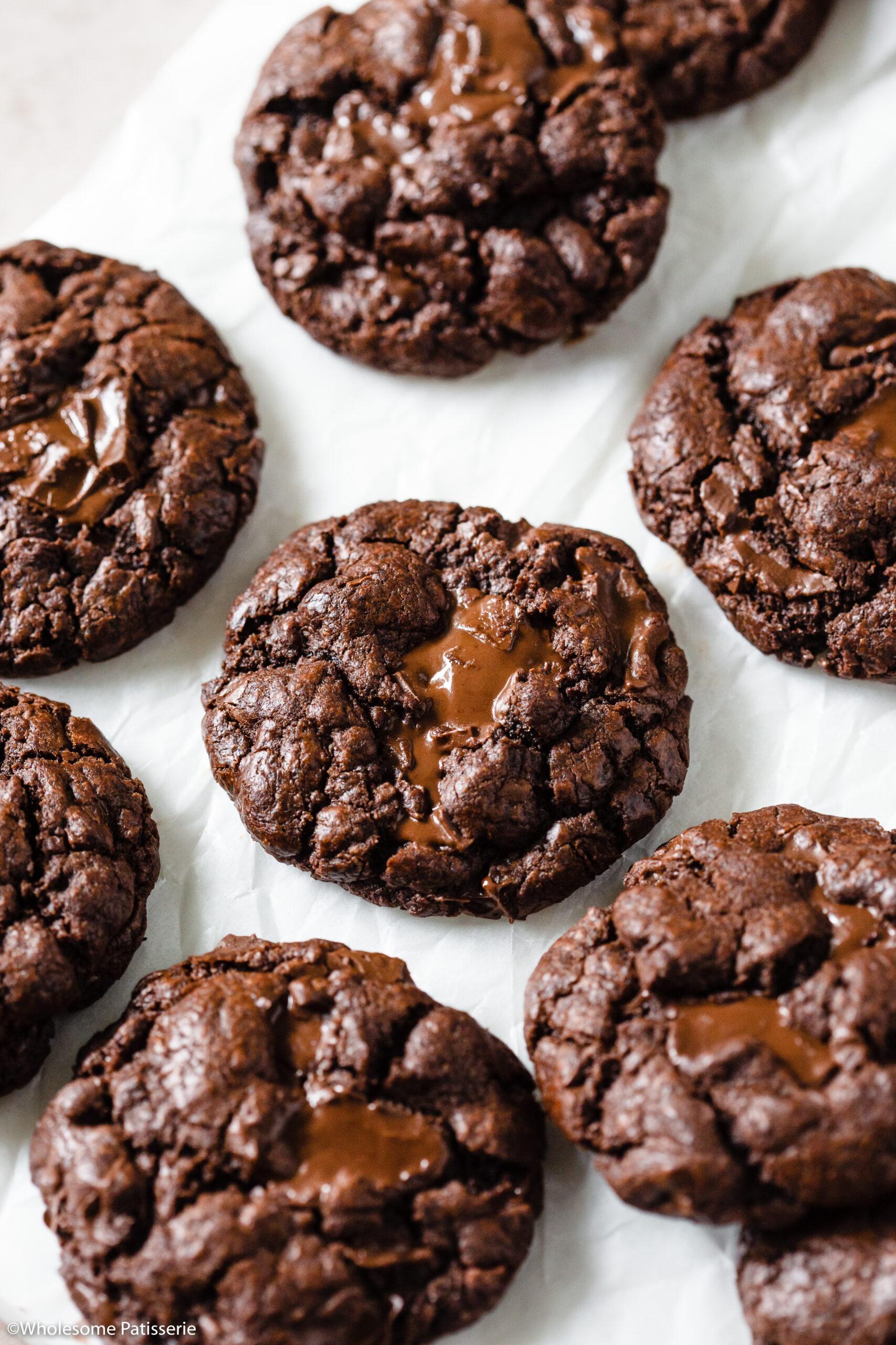 Bakery Style Dark Chocolate Chip Cookies