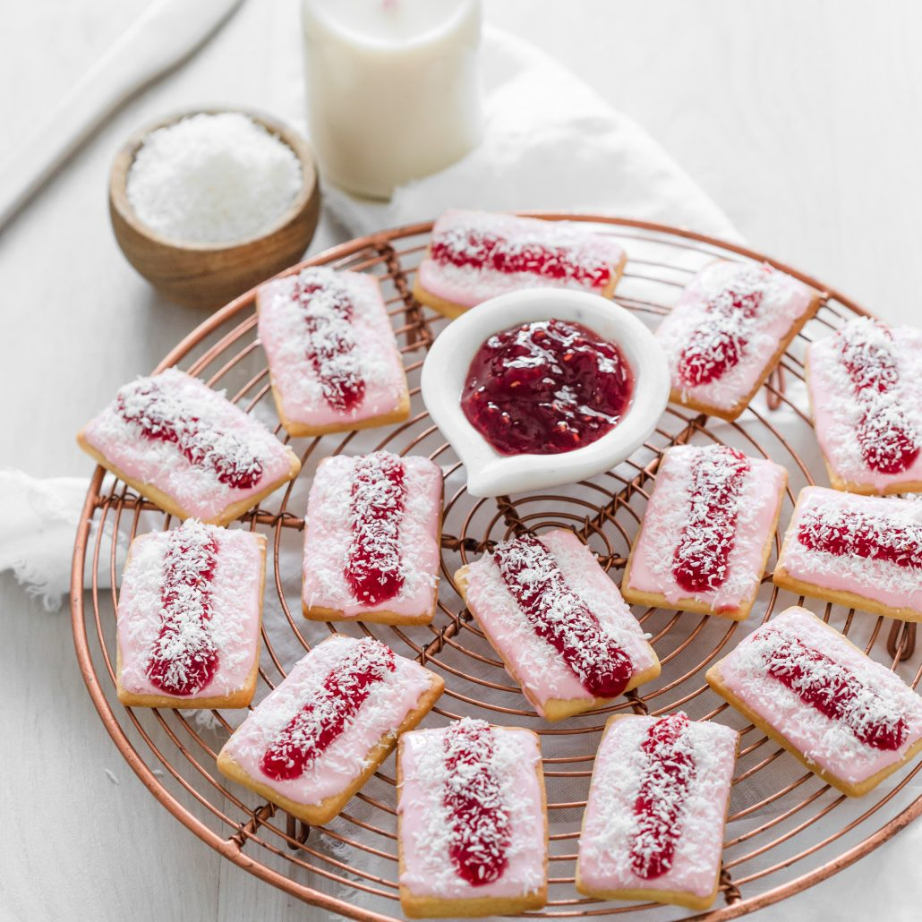 Iced Vovo Biscuits